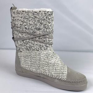 Toms Winter Boots Mixed Media Gray Suede Nepal 9.5